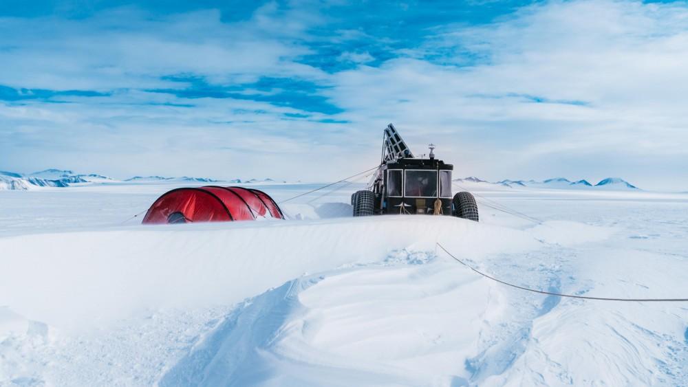 blog from antarctica turbulence clean2antarctica. Black Bedroom Furniture Sets. Home Design Ideas